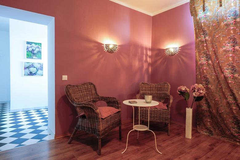 stadt st ingbert ferienunterk nfte altes zollamthaus ferienwohnung lavendelzimmer. Black Bedroom Furniture Sets. Home Design Ideas