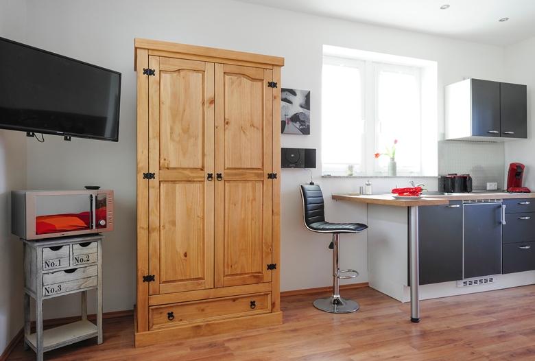 stadt st ingbert ferienunterk nfte altes zollamthaus ferienwohnung herrenzimmer. Black Bedroom Furniture Sets. Home Design Ideas